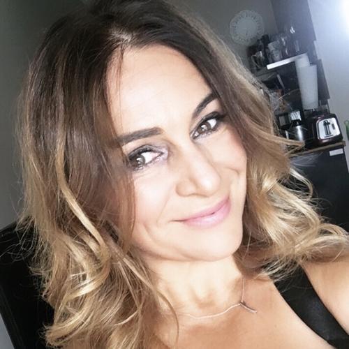 Virginie R French Voiceover Artist